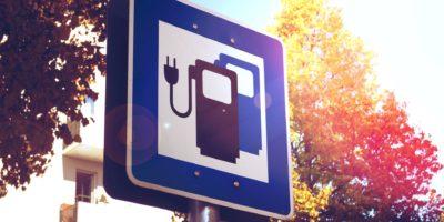Verkehrsschild für Ladestationen für Elektrofahrzeuge