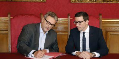 Gesundheitsstadtrat Peter Hacker und Apothekerkammer-Präsident Philipp Saiko.