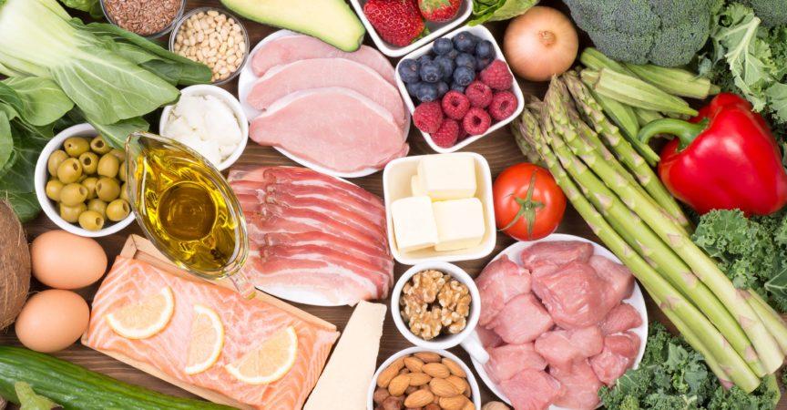 Lebensmittel empfohlen auf Low Carb Diät oder ketogene Diät, Draufsicht