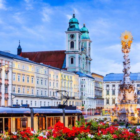 Linz, Österreich. Säule der Heiligen Dreifaltigkeit am Hauptplatz.