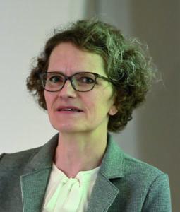 Beatrix Meyer, Leiterin Stationäre Versorgung und Tarife, FMH