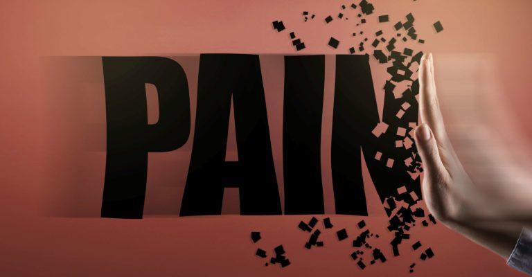 HANDSTOPPZEICHEN mit PAIN-Text / Stoppschild-Konzept (Klicken für mehr)