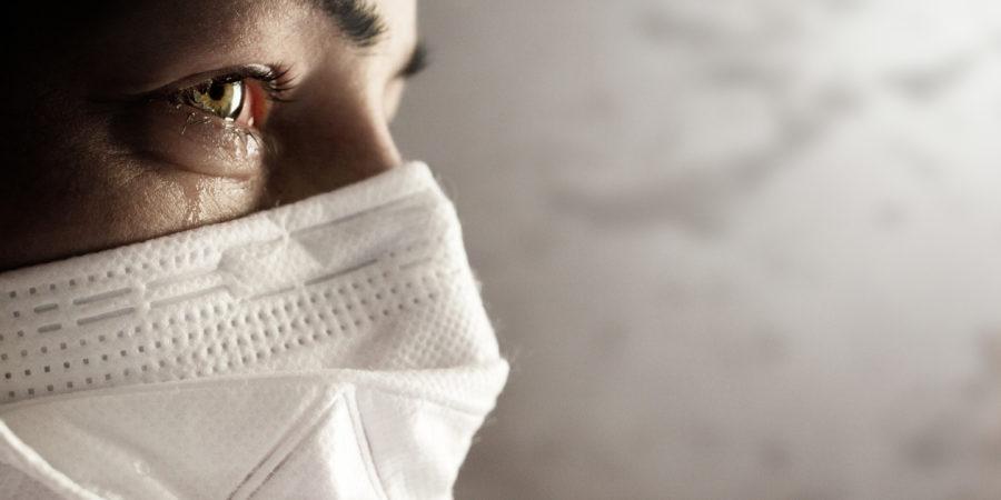 Frauen mit Sicherheitsmaske vor Coronavirus. Covid-19-Ausbruch auf der ganzen Welt