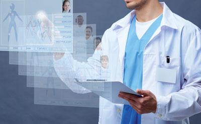 Die elektronische Gesundheitsakte fordert die Mitarbeiter heraus, birgt aber auch Chancen wie einen besseren Informationsaustausch.