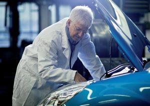 Liebe zum Auto kann auch bei Ärzten weit gehen, Kosten müssen es nicht.