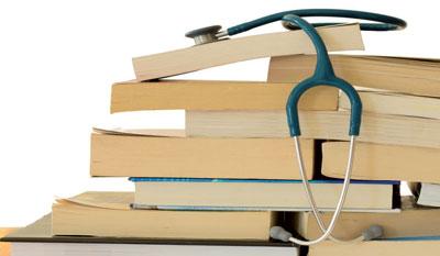 An Konzepten mangelt es – im Gegensatz zum medizinischen Nachwuchs – nicht. Die Umsetzung neuer Ausbildungsmodelle ist jedoch schwierig.
