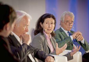 V.l.n.r.: Moderatorin Doris Helmberger-Fleckl («Die Furche»), Dr. Ludwig Janus, Prof. Barbara Maier, Prof. Peter-Wolf Husslein.