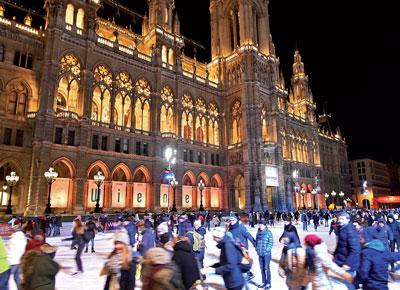 Die Eiszeit könnte bald vorbei sein – und das nicht nur vor dem Rathaus.