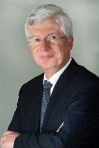 """Univ.-Prof. Dr. Michael Frass ist Leiter der Spezialambulanz """"Homöopathie bei malignen Erkrankungen"""", Klinik für Innere Medizin I, AKH Wien"""