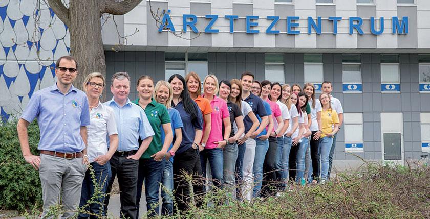 Die Gruppenpraxis über der Donau ist rasant gewachsen – so ein Team muss man freilich auch managen.