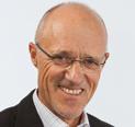 Mag. Anton (Toni) Innauer war Sportler, Trainer und Sportmanager und ist Autor, Speaker und Unternehmer, www.toni-innauer.at; www.innauerfacts.at