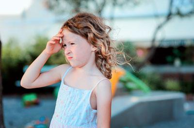Da sich die Glykosphingolipide auch in den Schweißdrüsen ablagern, können bereits junge M.-Fabry-Patienten nicht mehr schwitzen und vertragen Hitze nur sehr schlecht.