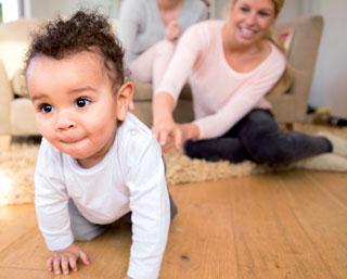 """Das Netzwerk der """"Frühen Hilfen"""" unterstützt junge Familien dabei, ihren Kindern einen guten Start in ein gesundes Leben zu ermöglichen."""