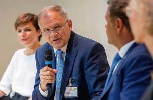 """Vytenis Andriukaitis, EU-Kommissar für Gesundheit und Nahrung, kämpfte in Alpbach mit großer Emotion gegen die """"Profitgier der Industrie""""."""