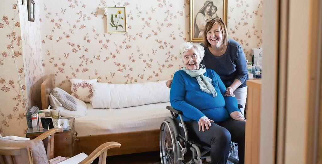 Immer mehr Menschen sind mit dem Thema Pflege – aktiv wie passiv – konfrontiert.