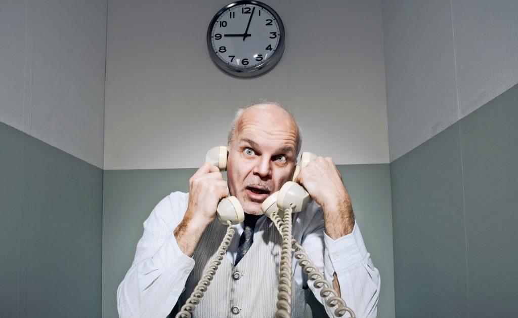 Die Leitungen glühen, Berater haben alle Hände voll zu tun: 46.000 Anrufe sind auf 1450 bereits eingegangen.
