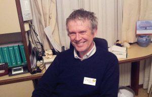 Dr. Michael Wendler, seit 1986 Kassenarzt in Graz, plädiert für praxisnahe interprofessionelle Weiterbildungen auf der untersten Ebenen der Praxen und der Gesundheitssprengel: «Das würde vertrauensbildend und kommunikationserleichternd wirken und im konkreten Fall unnötige Konflikte und Fragestellungen vermeiden.»
