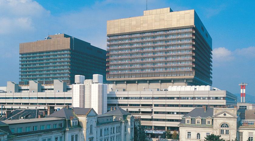 Die Medizinische Universität Wien und das Wiener AKH verzahnen ihre Zusammenarbeit am gemeinsamen Gelände auch baulich noch stärker.