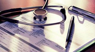 Bei der Anamnese von Patienten mit rheumatischen Erkrankungen sollte man das erhöhte kardiovaskuläre Risiko im Auge behalten.