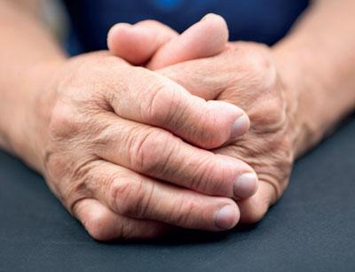 Schmerzreduktion: Mittels Basenmischungen kann der GewebepH-Wert gesenkt und Schmerzen damit deutlich reduziert werden.
