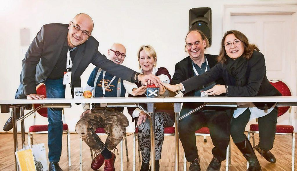 Zeit ist Geld (v.l.): Gerhard Hofer, Johannes Gutmann (Sonnentor), Brigitte Rumpold, Kristjan Plätzer und Petra Wiltschko (ifl consulting).