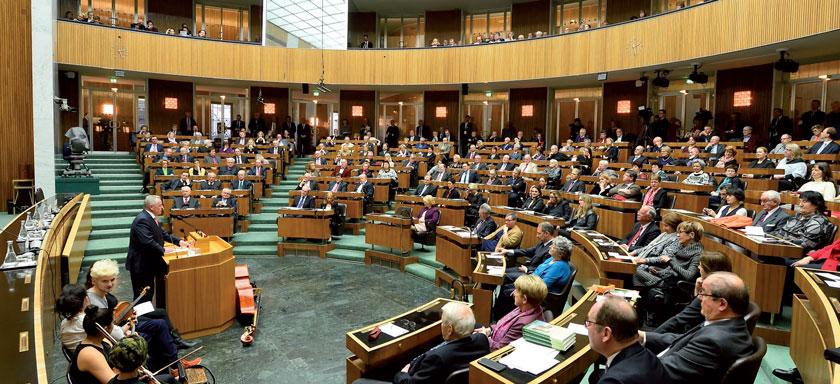 Mit einem Festakt im Parlament wurden 60 Jahre ASVG gefeiert, am Podium Sozialminister R. Hundstorfer