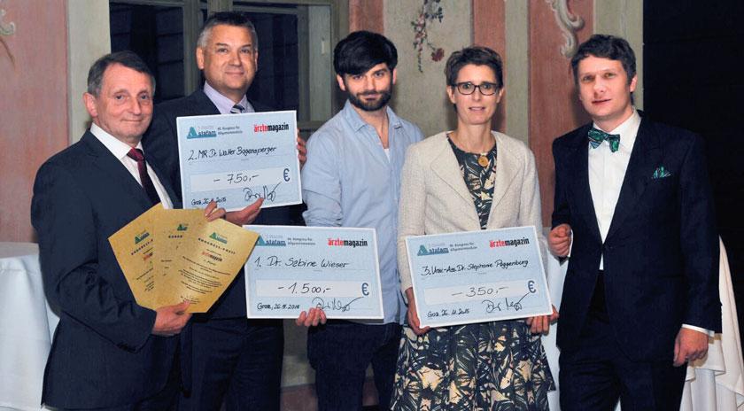 Preisverleihung in Graz: Laudator Dr. Reinhold Glehr, MR Dr. Walter Bogensperger (2. Platz), Dr. Christoph Wieser für Dr. Sabine Wieser (1. Platz), Univ.-Ass. Dr. Stephanie Poggenburg (3. Platz), Chefredakteur Denis Nößler