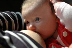 stillendes_baby