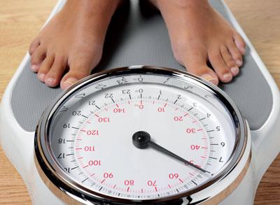 Patienten mit Cystischer Fibrose und Diabetes sollten keineswegs an Gewicht verlieren. Im Gegenteil: Sie müssen sich hochkalorisch ernähren.